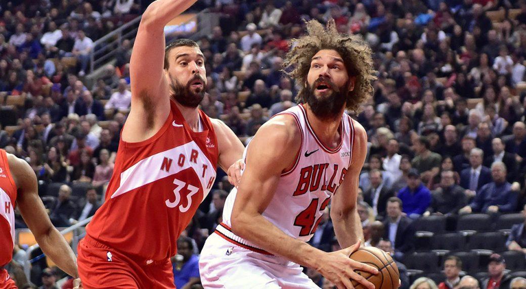 NBA-Bulls-Lopez-drives