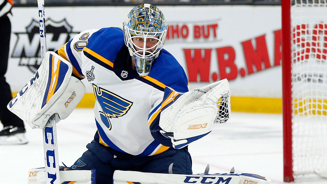 NHL-Blues-Binnington-makes-save