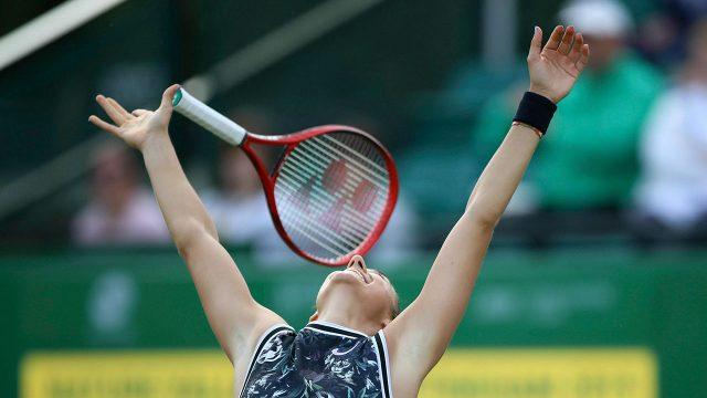 Tennis-WTA-Garcia-celebrates-win