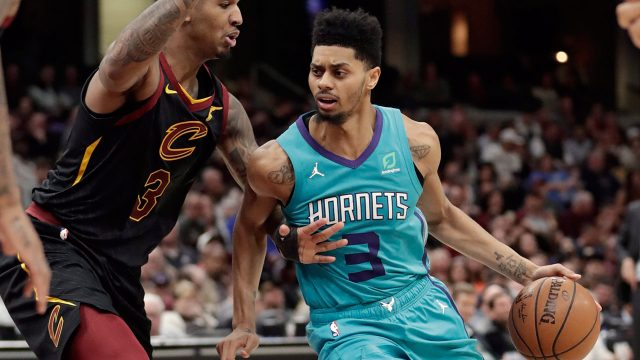 hornets-jeremy-lamb-drives-ball-against-cavaliers