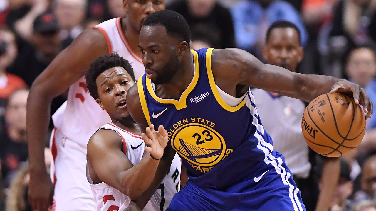 warriors-draymond-green-is-defended-by-raptors-kyle-lowry