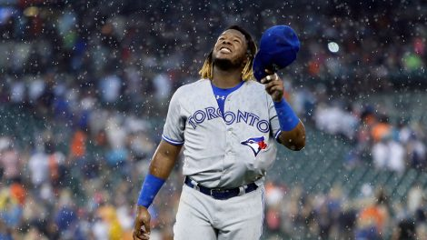 Blue-Jays-rain-delay