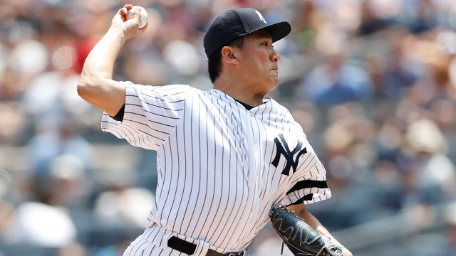 MLB-Yankees-Tanaka-throws