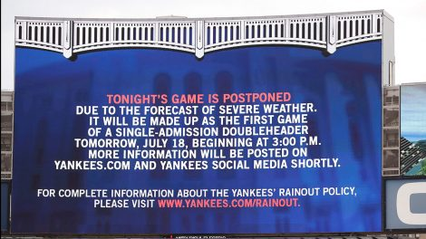 MLB-Yankees-video-board