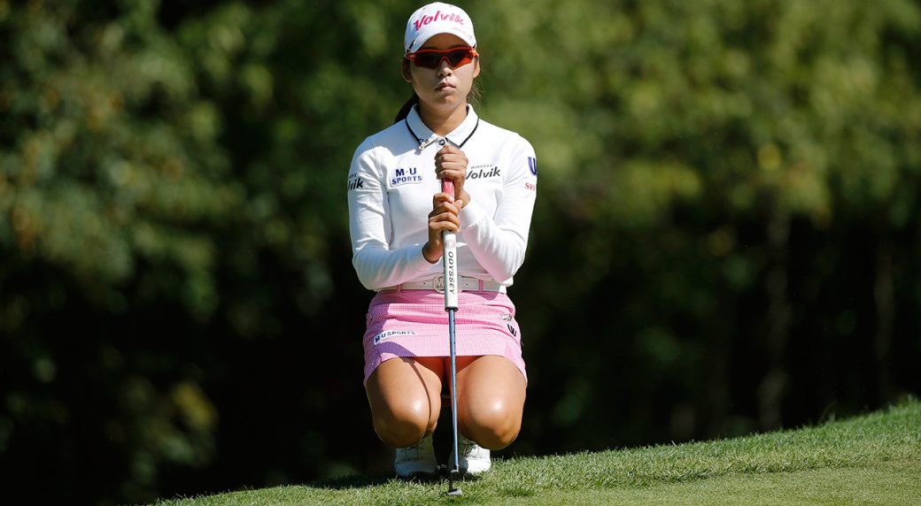 Hyo Joo Kim shoots 65 to lead by one at Evian