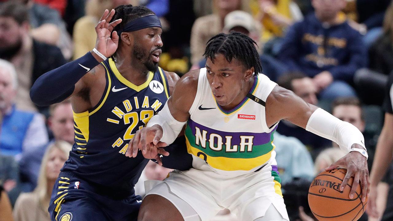 NBA-Pelicans-Johnson-posts-up