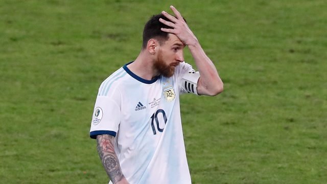 Soccer-Messi-disappointed-after-loss