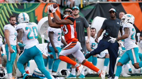 bengals-tyler-boyd-makes-catch-against-dolphins