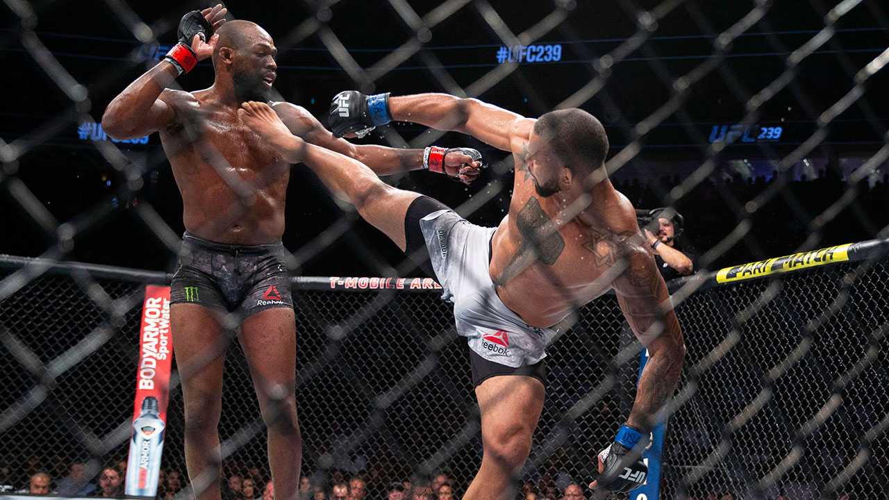 jon-joes-avoids-kick-from-thiago-santos-at-ufc-239