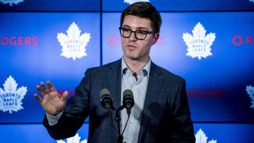 kyle-dubas-speaks-at-maple-leafs-press-conference