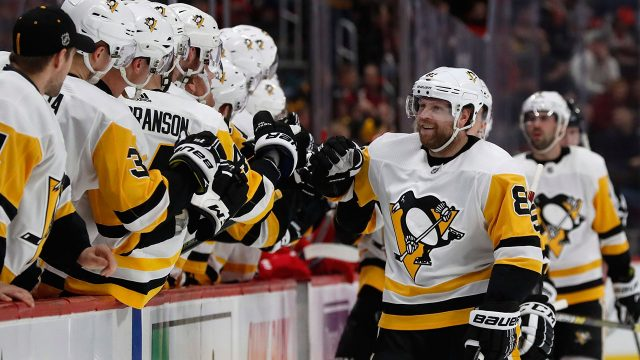 phil-kessel-celebrates-goal-with-penguins