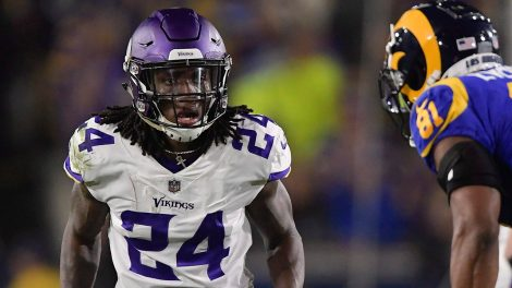 vikings-cornerback-holton-hill-defends
