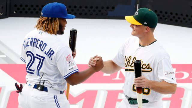 vladimir-guerrero-jr-greets-matt-chapman-at-home-run-derby