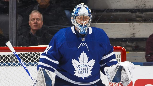 leafs-frederik-andersen-stands-in-net-against-rangers