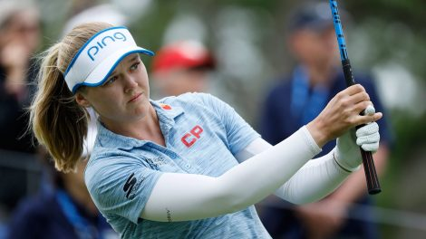 Golf-LPGA-Henderson-watches-shot