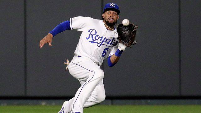 MLB-Royals-Hamilton-makes-catch