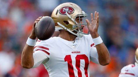 NFL-49ers-Garoppolo-throws