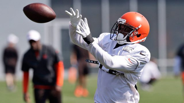 NFL-Browns-Callaway-makes-catch
