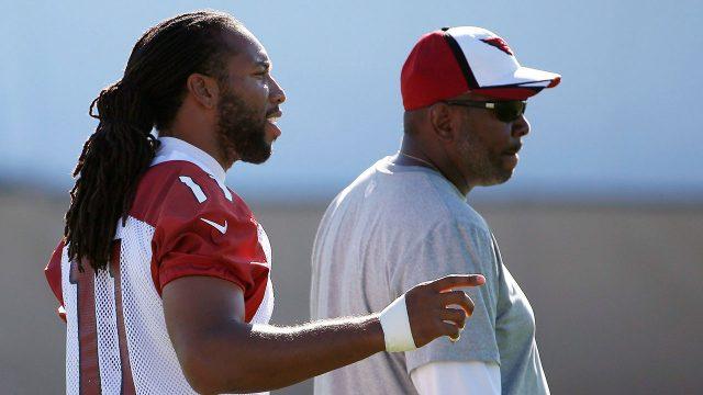 NFL-Fitzgerald-talks-with-Drake