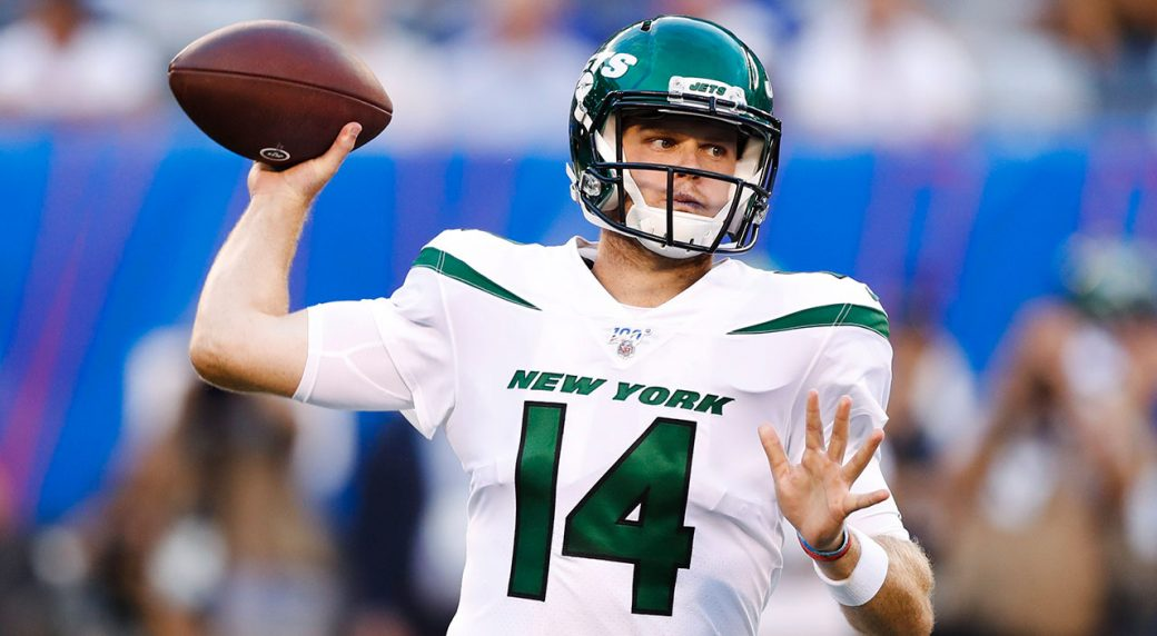 NFL-Jets-Darnold-throws
