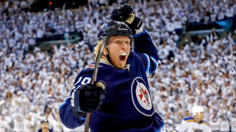 jets-patrik-laine-celebrates-goal-against-blues
