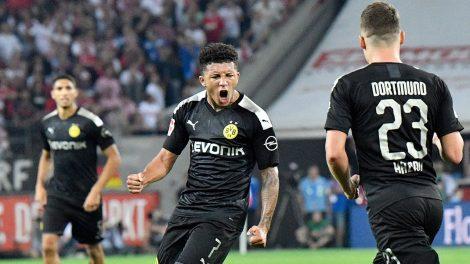 Soccer-Dortmund-Sancho-scores