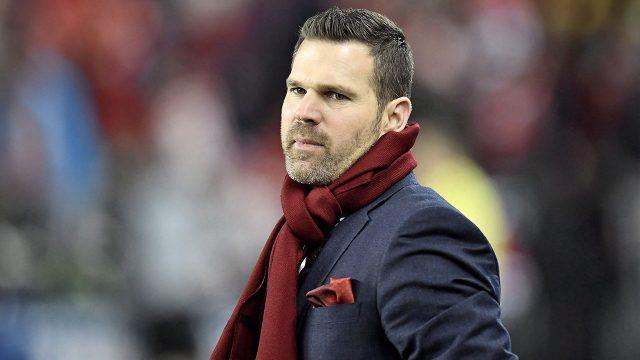 Soccer-MLS-TFC-coach-Vanney-standing