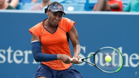 Tennis-WTA-Venus-Williams-returns-shot