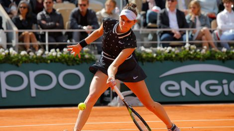 Tennis-WTA-Vondrousova-plays-shot