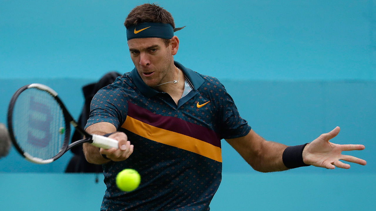 Tennis-del-Potro-hits-shot