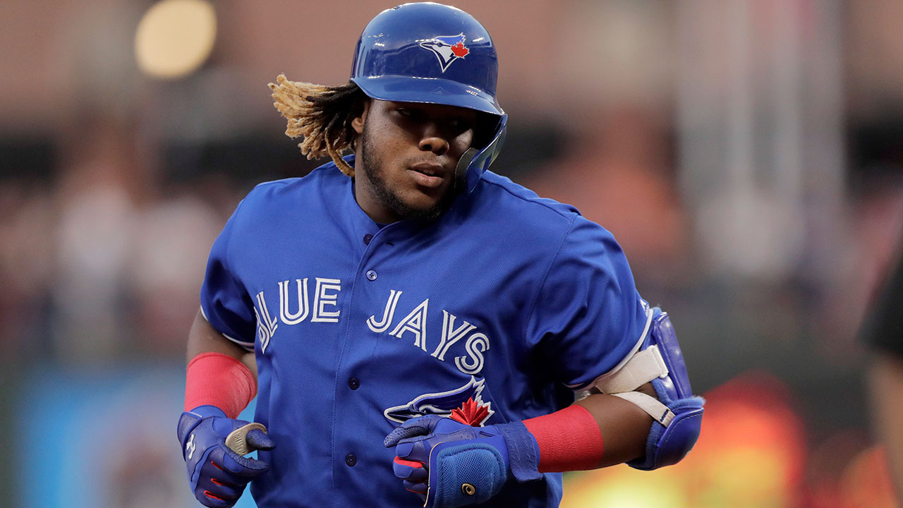 Blue Jays' Vladimir Guerrero Jr. listed day to-day with knee injury