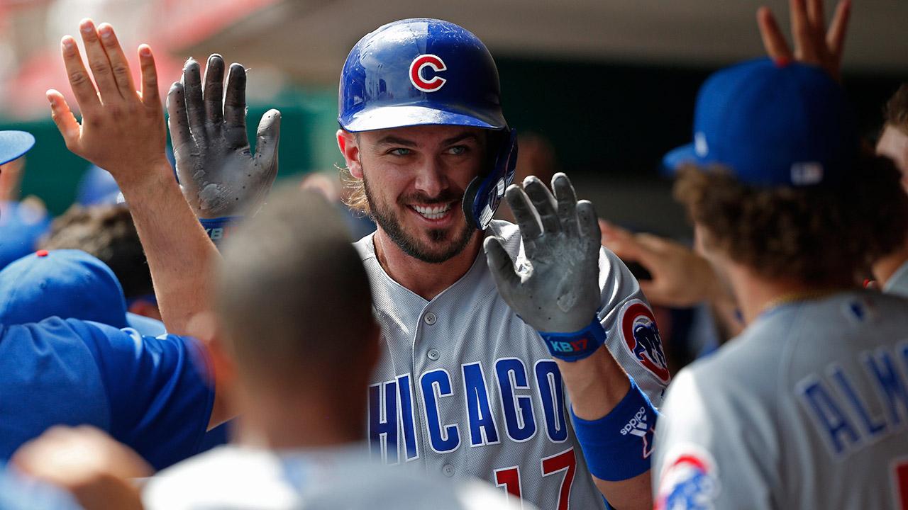Cubs-kris-bryant-celebrates-home-run-with-teammates