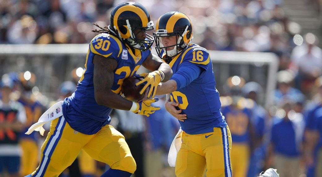 rams-jared-goff-hands-ball-off-to-todd-gurley