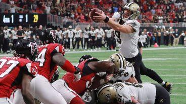 saints-qb-drew-brees-dives-for-touchdown-vs-falcons