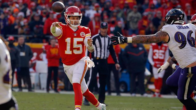 chiefs-patrick-mahomes-throws-against-ravens