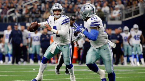 cowboys-dak-prescott-throws-pass-to-ezekiel-elliott