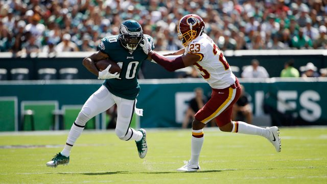 eagles-desean-jackson-runs-with-football