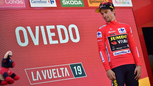 primoz-roglic-wears-vuelta-red-shirt-as-leader