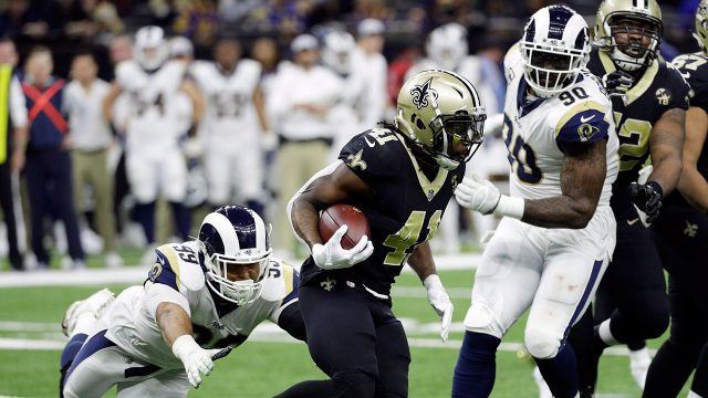 saints-alvin-kamara-runs-against-rams