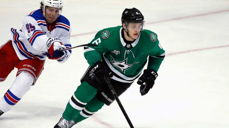 stars-defenceman-julius-honka-moves-puck-against-rangers