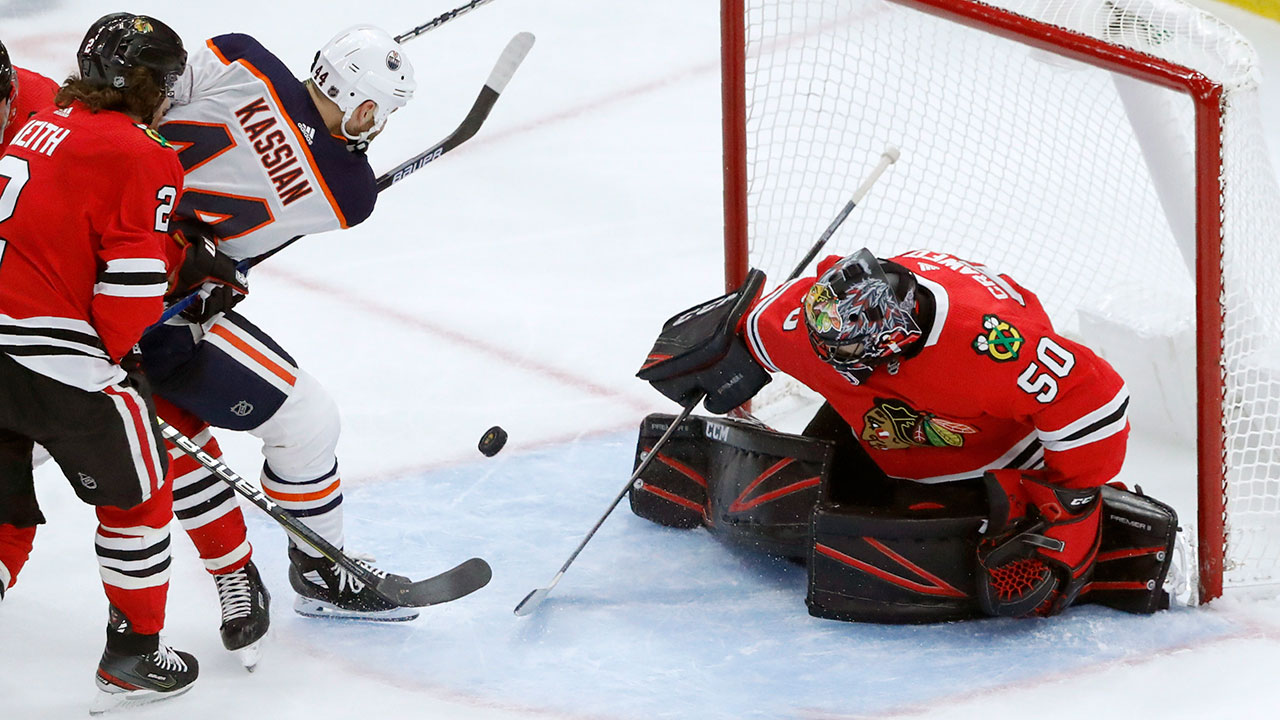 'Hawks end Edmonton's hot start