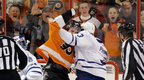 Scott-Hartnell-Dion-Phaneuf-fight