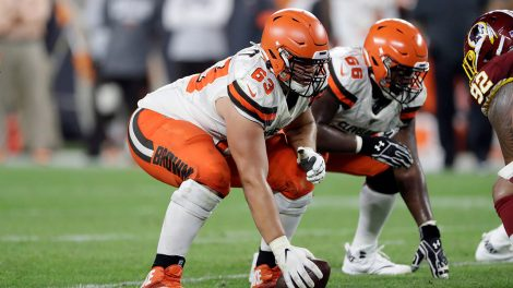 browns-centre-austin-corbett-prepares-to-snap-ball