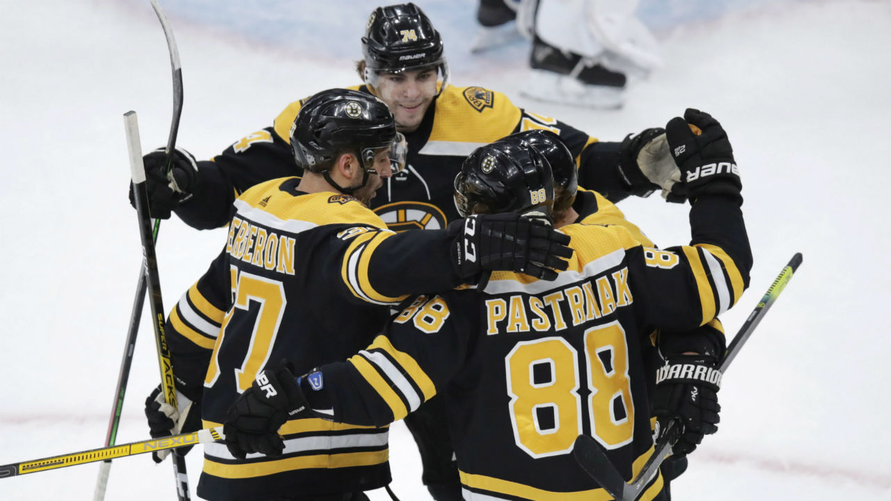 A perfect 10 for Pastrnak and Bruins
