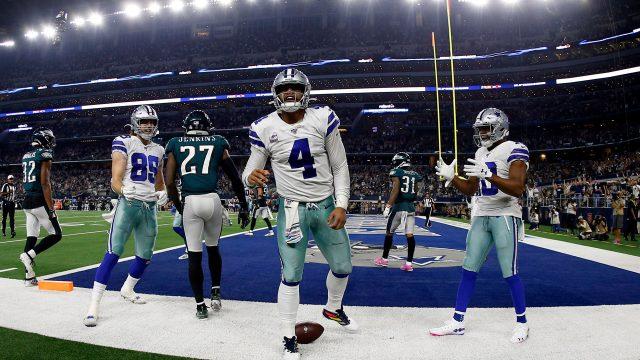 cowboys-prescott-celebrates-touchdown