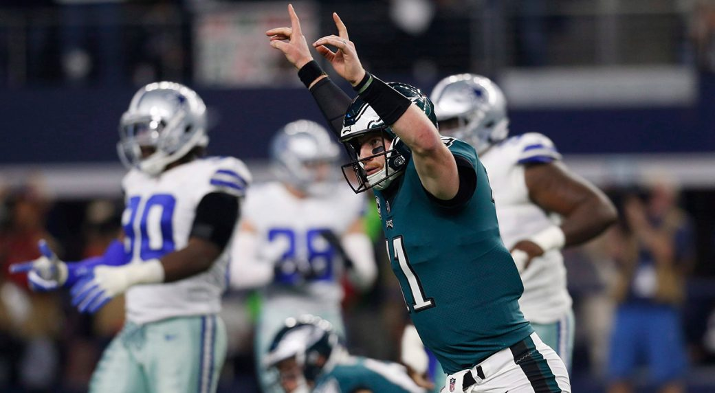 eagles-carson-wentz-celebrates-touchdown-against-cowboys