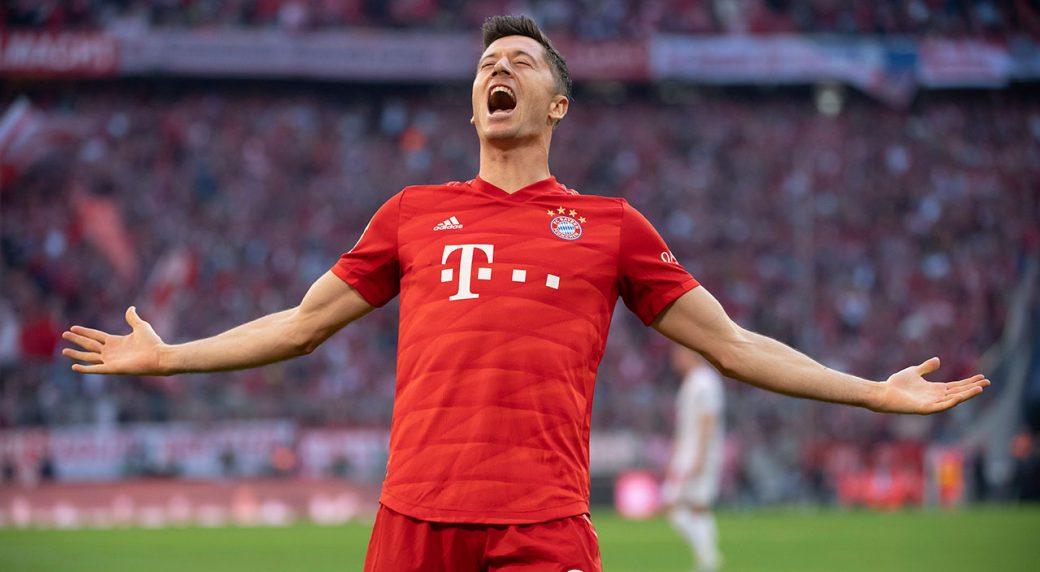 Robert Lewandowski, Lucy Bronze among finalists for Fifa's best football player award