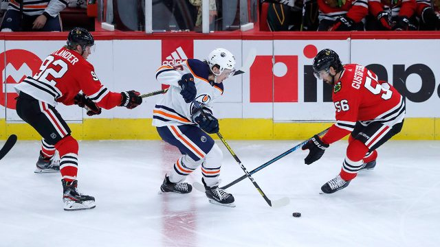 oilers-joakim-nygard-skates-against-blackhawks