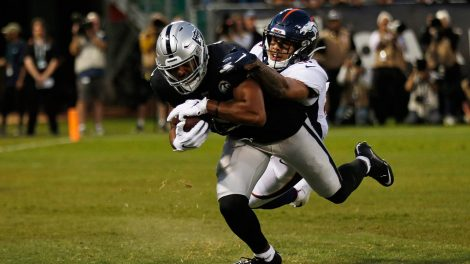 raiders-tyrell-williams-scores-touchdown-against-broncos