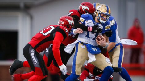 stampeders-tackle-strevler